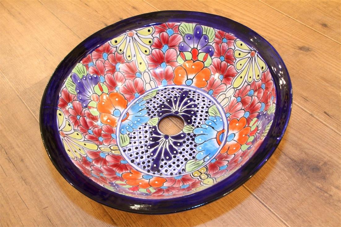 כיור אמבטיה הפס הכחול- עיטורי פרחים בצבעים שונים