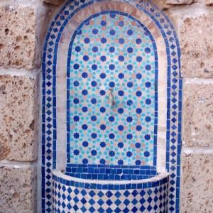 מזרקת הפסיפס המרוקאית תעניק טאץ' עיצובי מיוחד לחצר