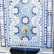 מזרקת פסיפס ממרוקו לגינה