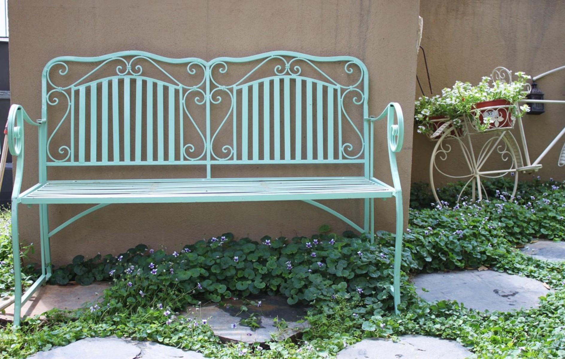 ספסל גינה פרזול בצבע טורקיז