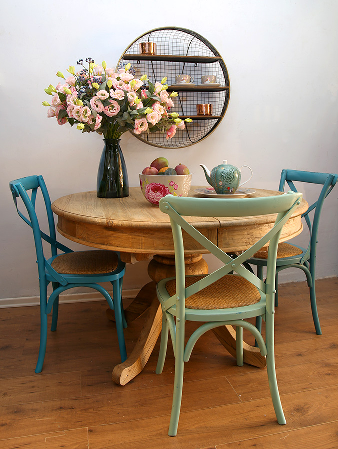 כסא איקס צבעוני