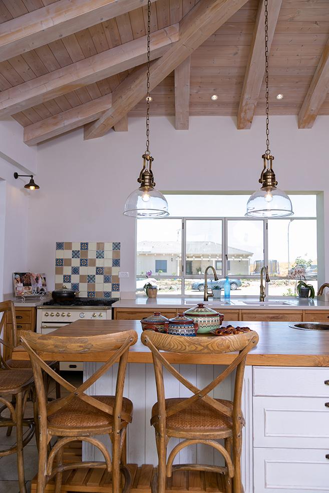 כסאות בר לאי במטבח