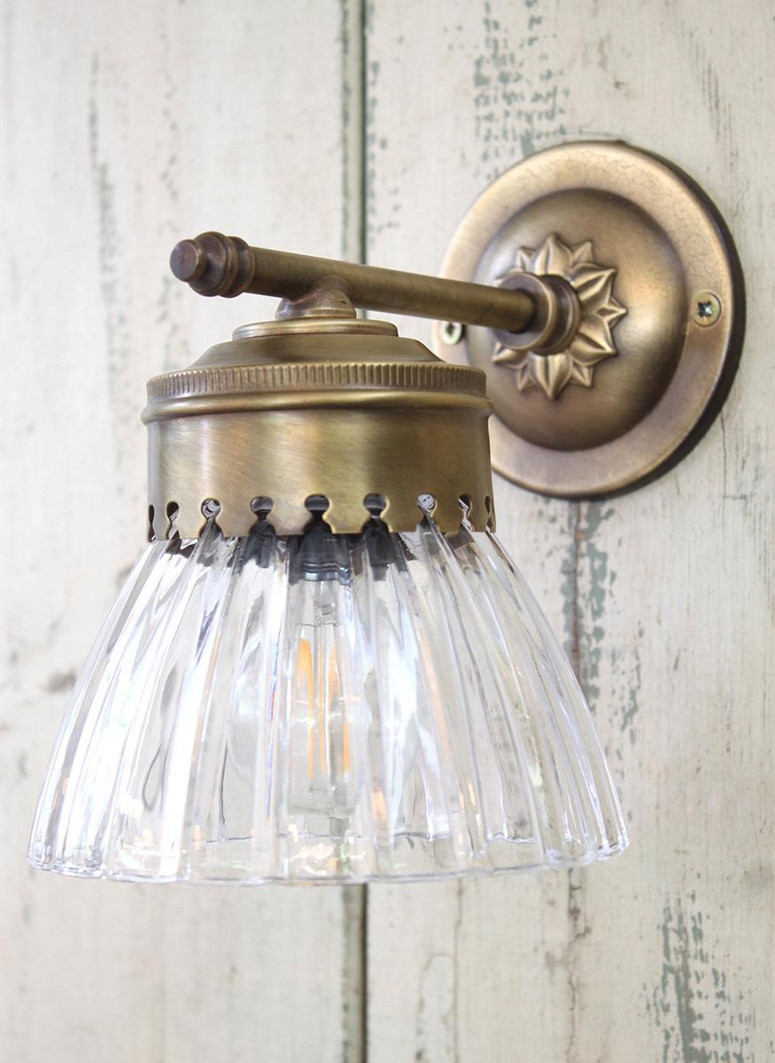 מנורת קיר חן, זכוכית צלעות 450