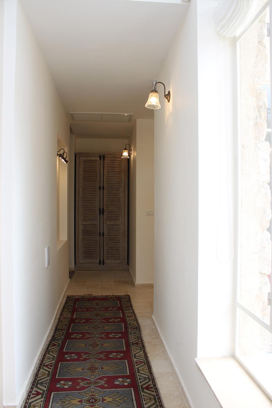 גוף תאורה מצוד קיר למסדרון