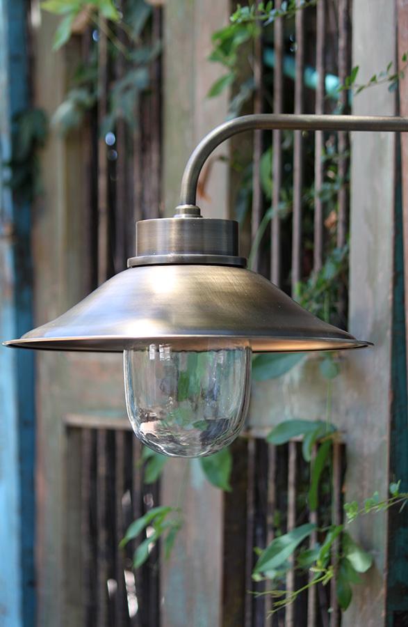 מנורת גינה וחוץ