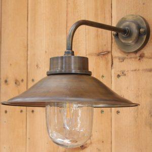 גוף תאורה מפליז לחוץ הבית
