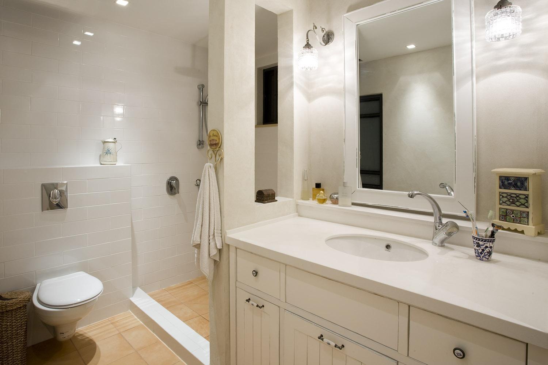 חדר אמבטיה הורים