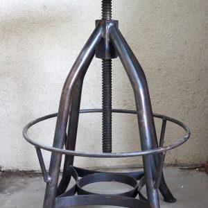 כסא בר מעץ וברזל