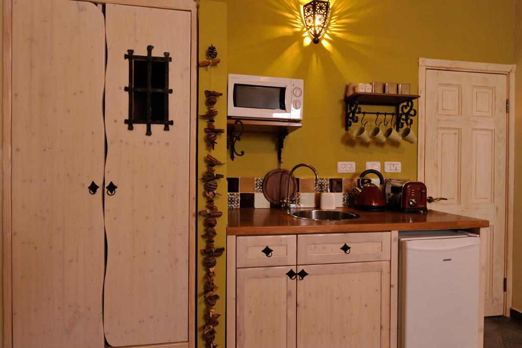 מטבחו בסגנוןן כפרי
