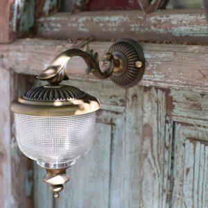 מנורת חוץ