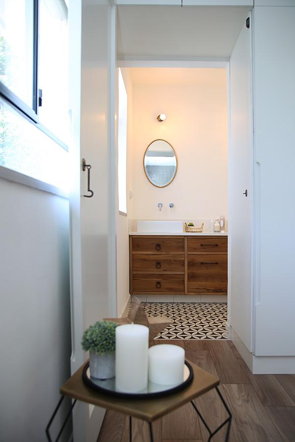 חדר אמבטיה אקלקטי