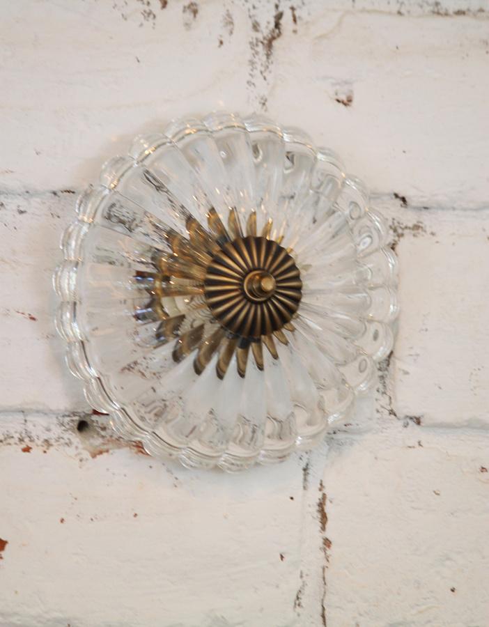 מנורת צמודת קיר או תקרה