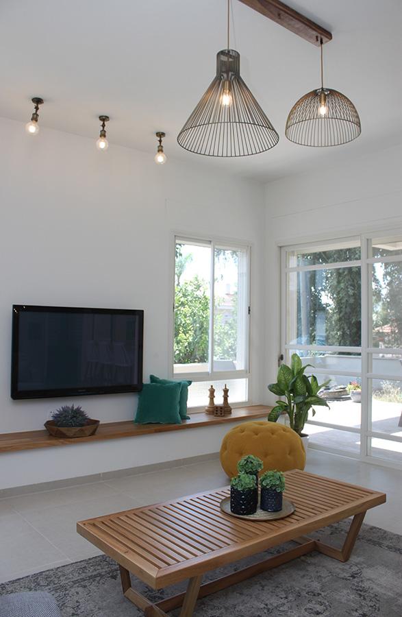 ספוטים לתקרה בסלון