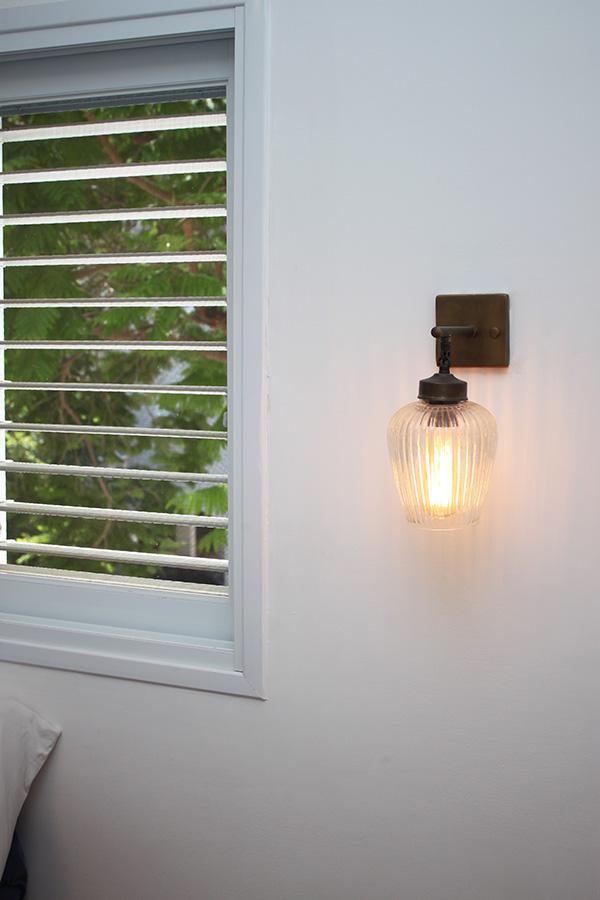 גוף תאורה לקיר