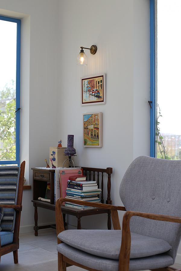 תאורת קיר בסלון