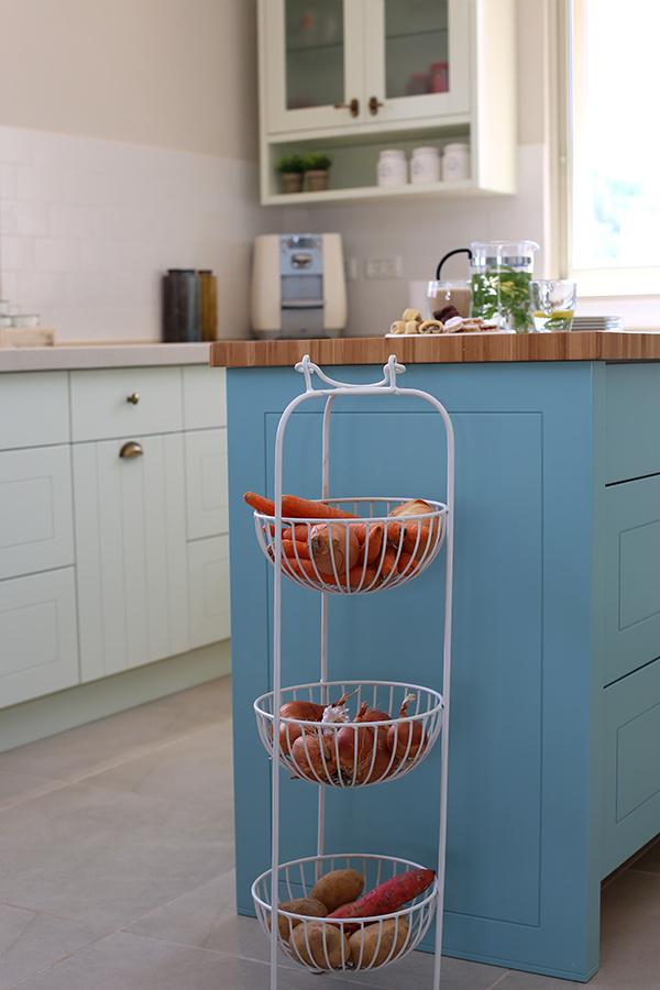מתקן קומות לירקות במטבח