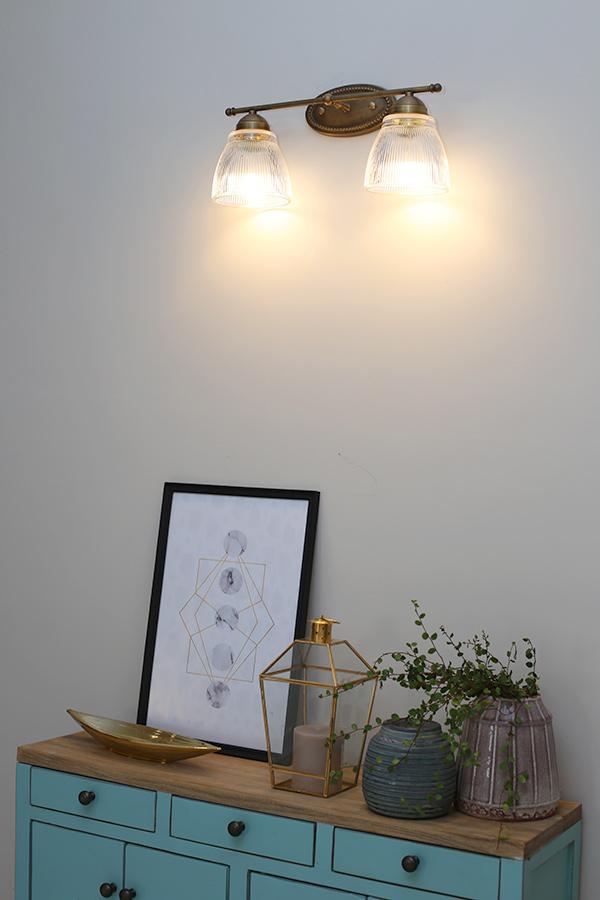 גוף תאורה זוגי מהקיר