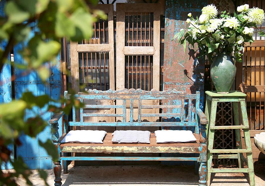 ספסל לגינה