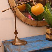 מנורת שולחן מפליז מתכווננת