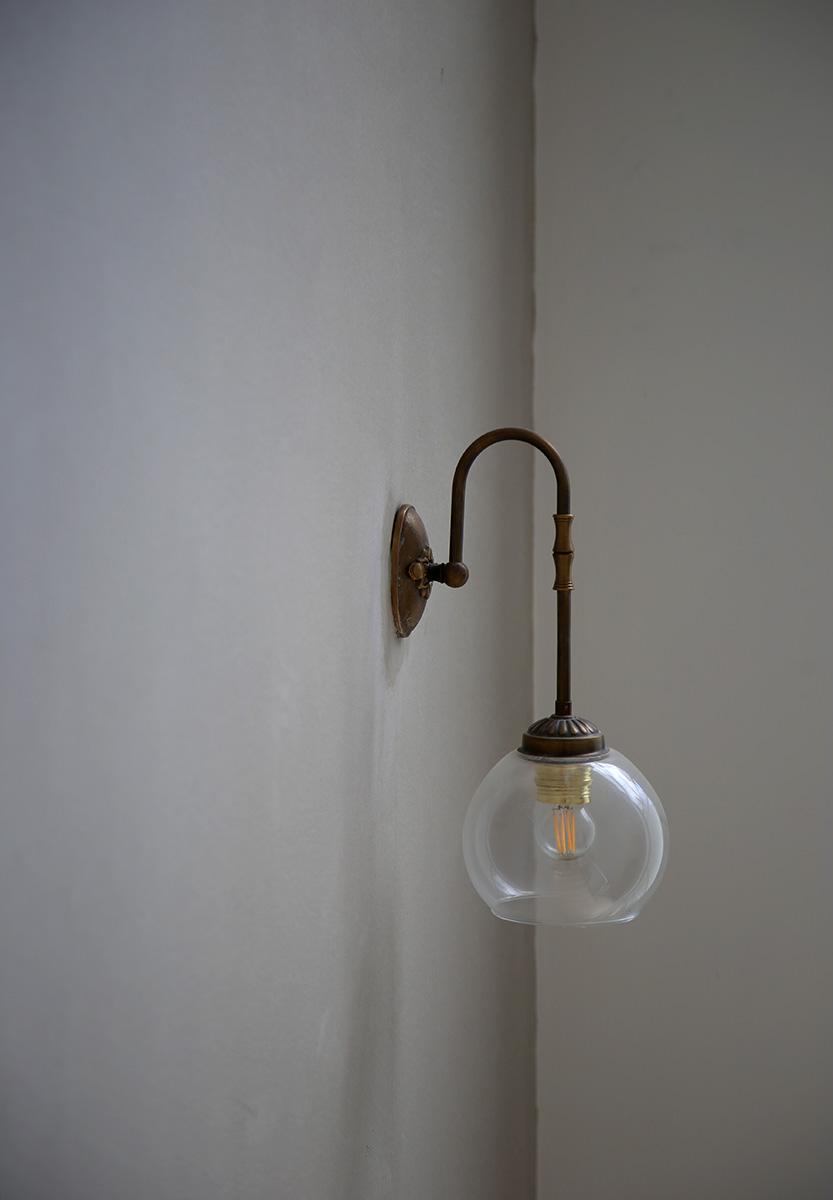 גוף תאורה כפרי לקיר
