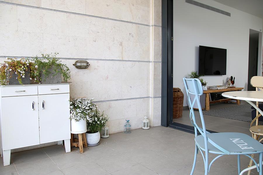 גוף תאורה מוגן מים לחוץ הבית