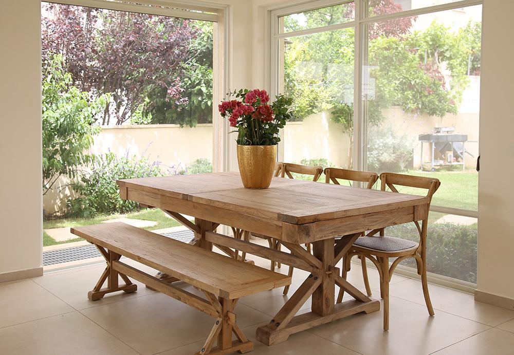 ספסל עץ לשולחן אוכל