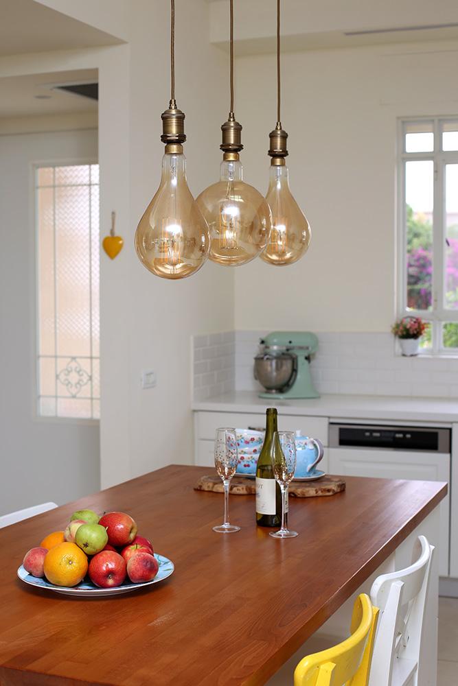 תאורת תלייה לאי במטבח
