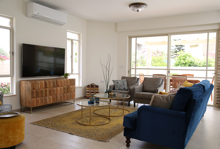 גופי תאורה צמודי תקרה לסלון