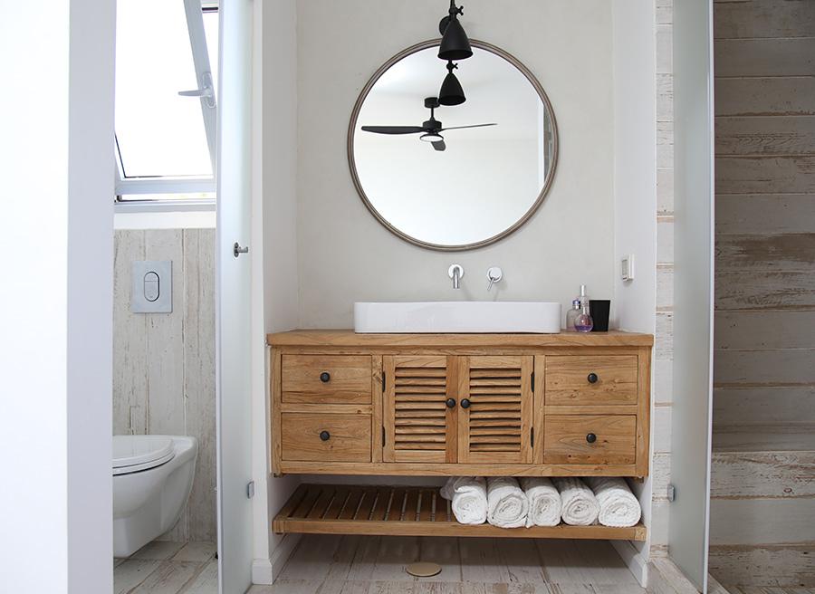 שידת אמבטיה מעץ טבעי