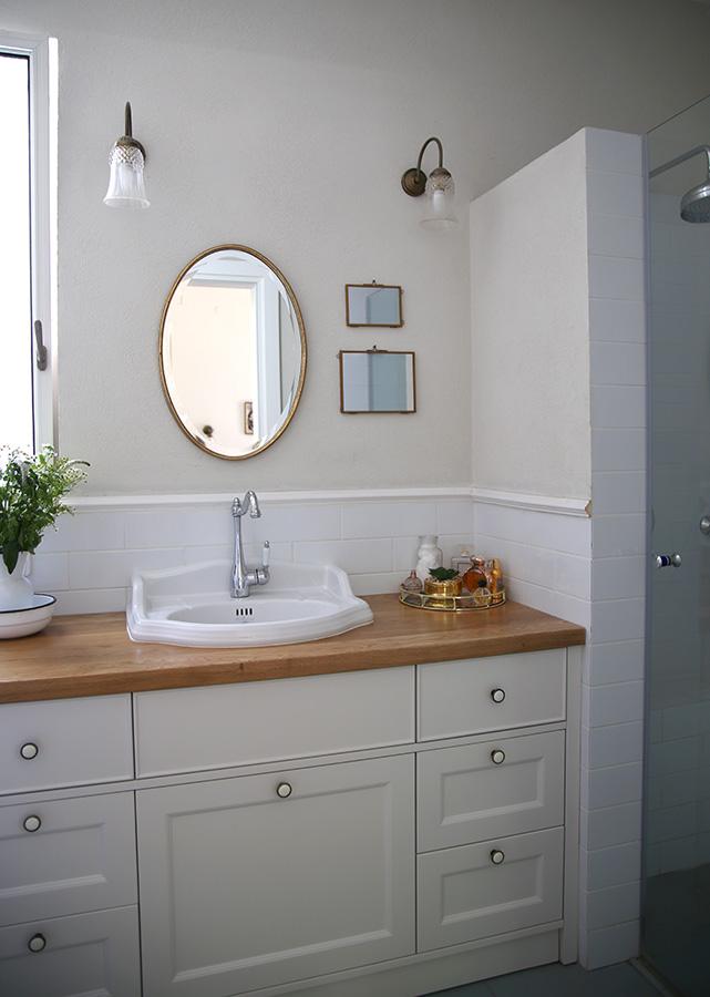 תאורת קיר לחדר אמבטיה