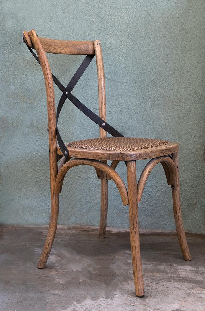 כסא איקס מעץ וברזל