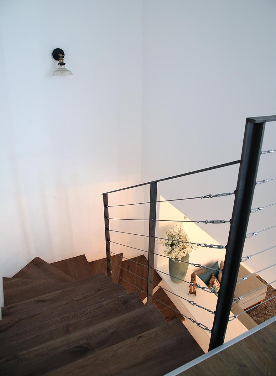 תאורה לגרם מדרגות