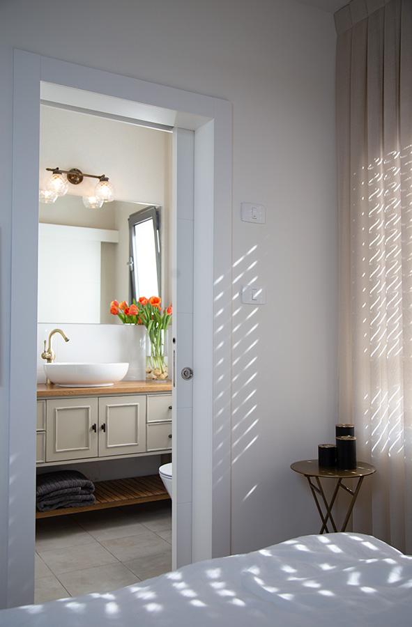 תאורת קיר לחדר רחצה