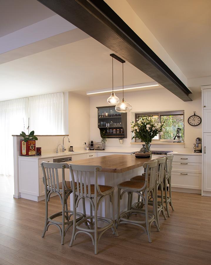 כסאות בר במטבח