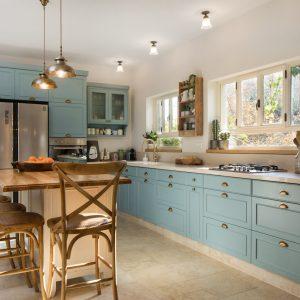 גופי תאורה צמודי תקרה למטבח