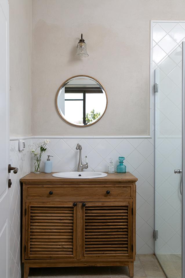 שידת אמבטיה דלתות תריס