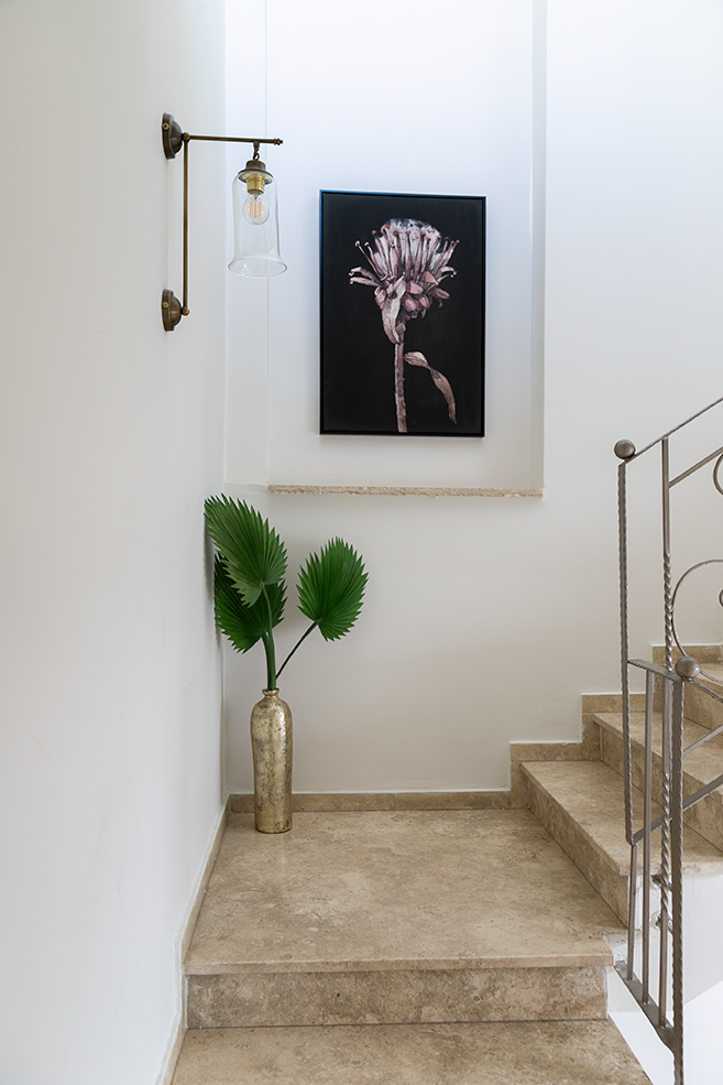 מנורת קיר לחדר מדרגות