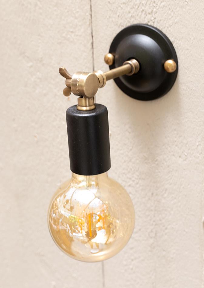 מנורת קיר דגם BLACK TIA