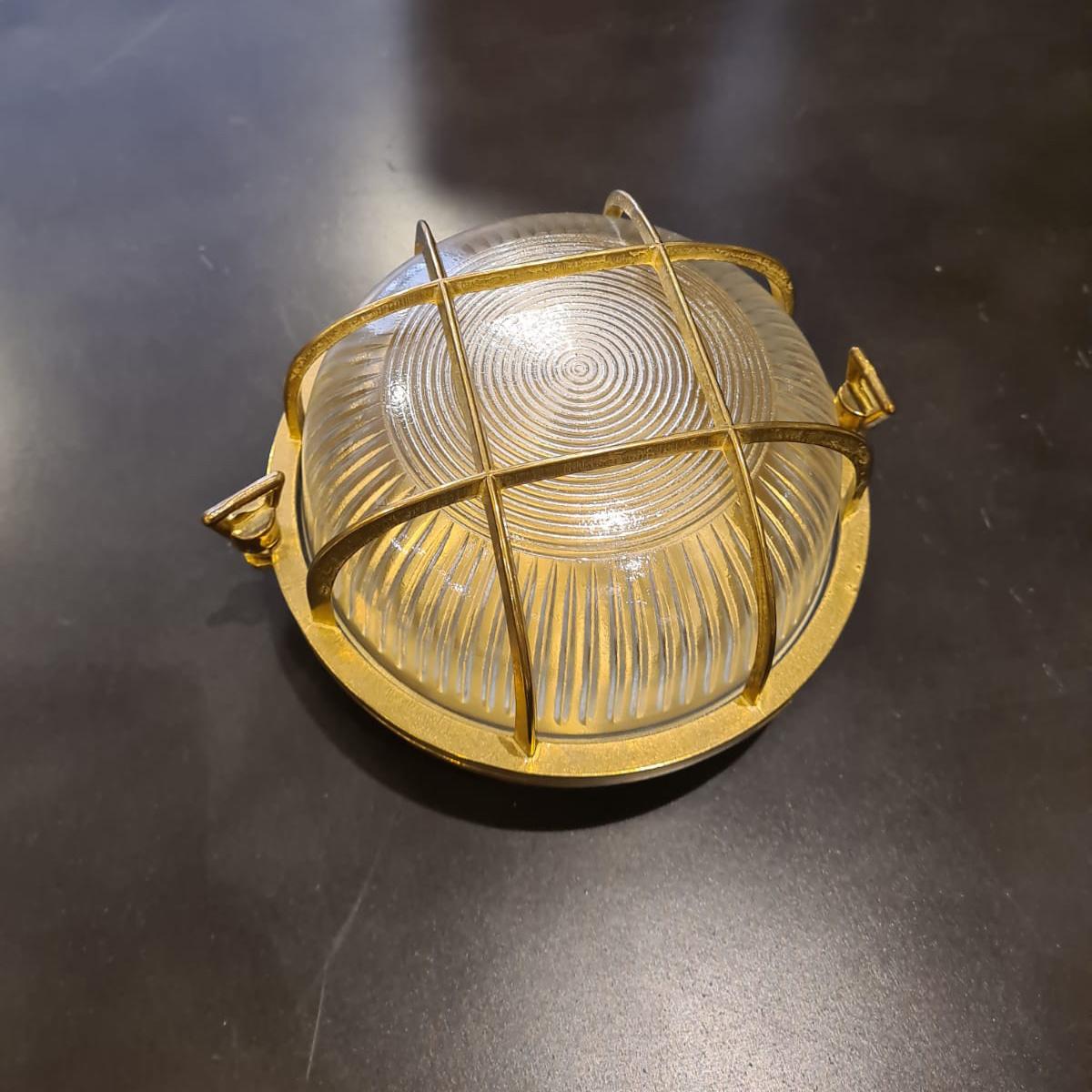 מנורת פליז חוץ 14