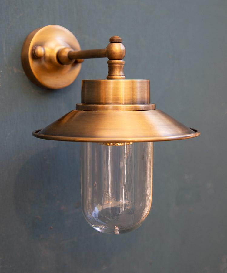 מנורת חוץ פליז דגם B101