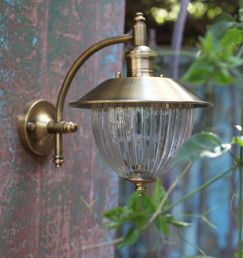 מנורת חוץ פליז B13