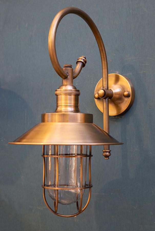 מנורת חוץ פליז דגם B46