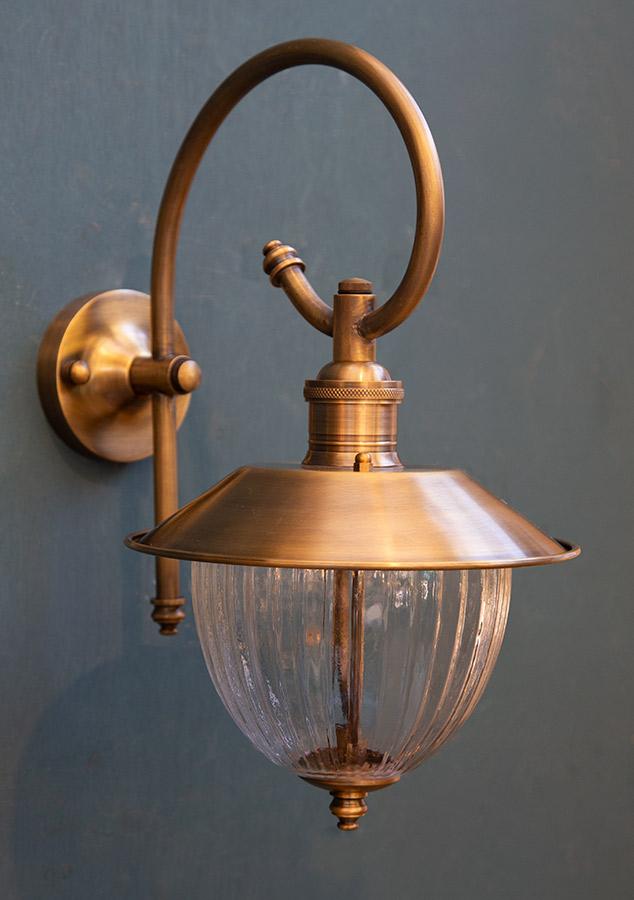 מנורת חוץ פליז דגם B47