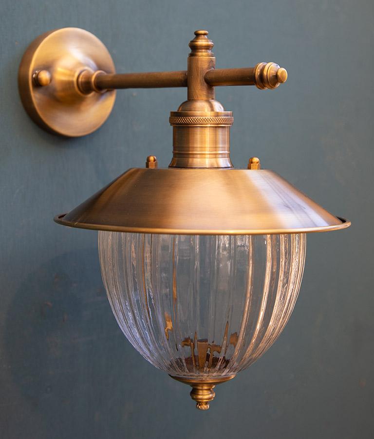 מנורת חוץ B5