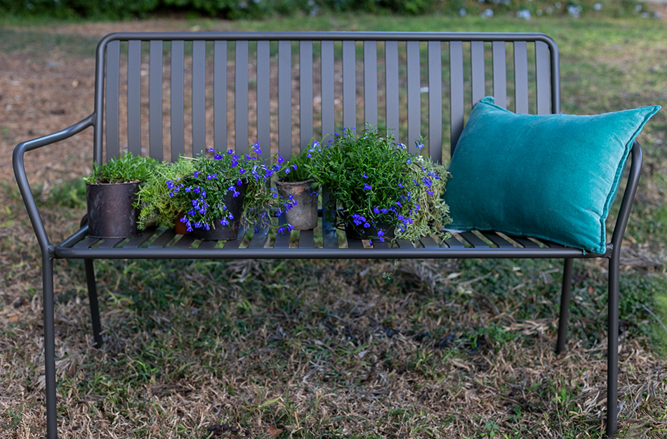 ספסל אלומיניום לגינה