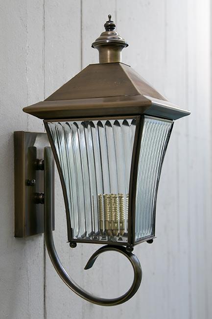 מנורת חוץ TU168