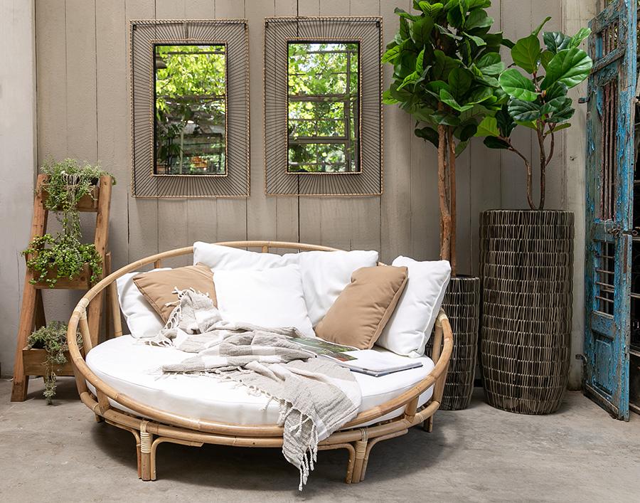 מיטת רביצה לגינה