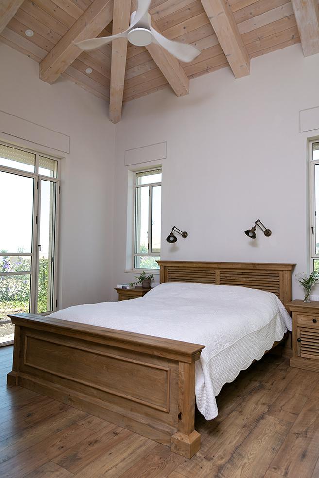 מיטה כפרית זוגית