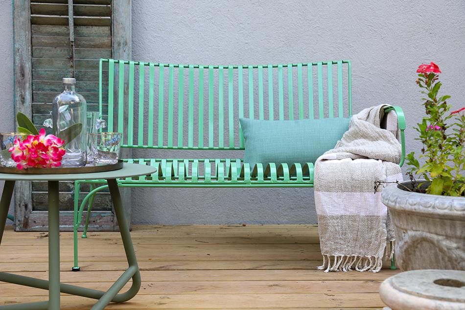 ספסל ברזל צבעוני לגינה