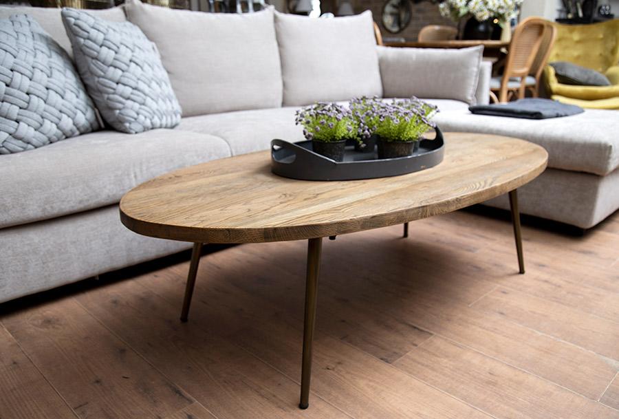 שולחן אובלי כפרי